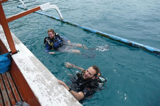 Tauchen auf Gili Air von einem Jukung. Blue Marine Dive Gili Air ist empfehlenswert.
