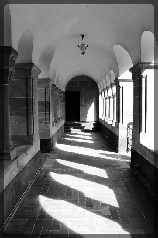 Villa Sarabodis: Schwarz-Weiß Studie mit CANON EOS 77D