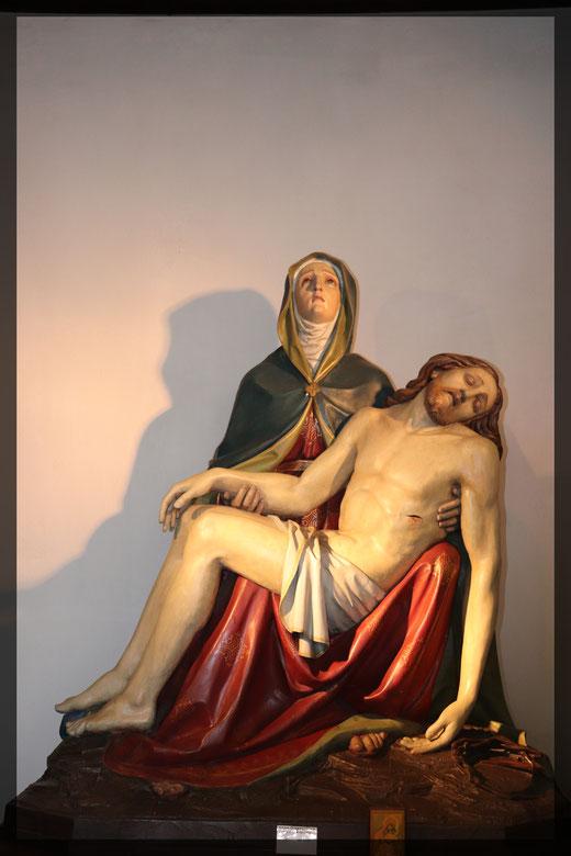Maria mit den Leichnam ihres gekreuzigten Sohnes Jesus