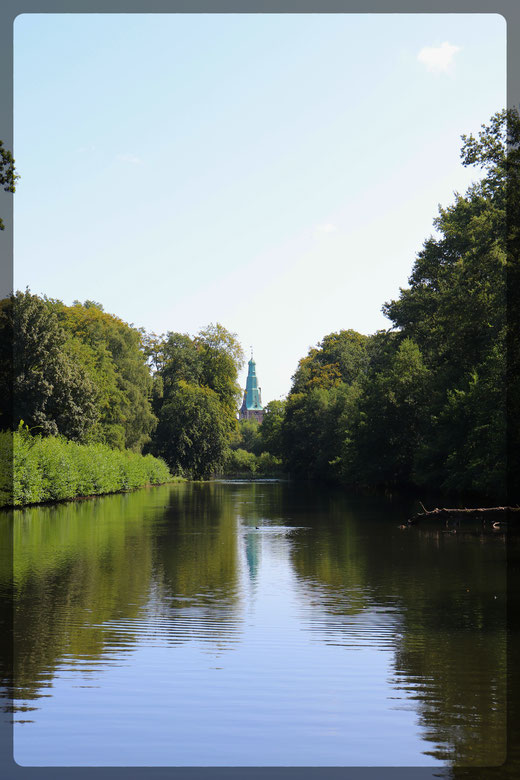 Spiegelungen im Tiergarten bei Schloss Raesfeld