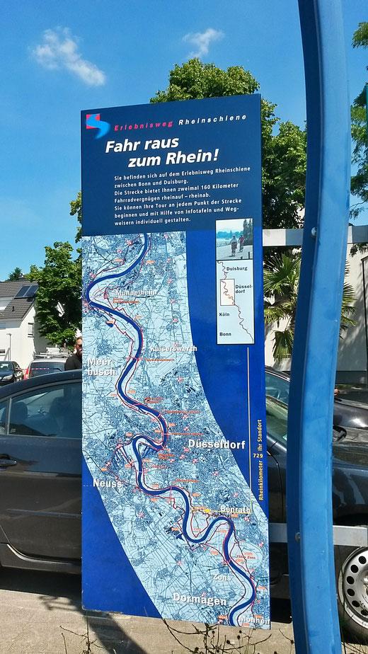 Erlebnisweg Rheinschiene: häufige Hinweistafeln und Wegweiser begleiten zuverlässig unseren Weg