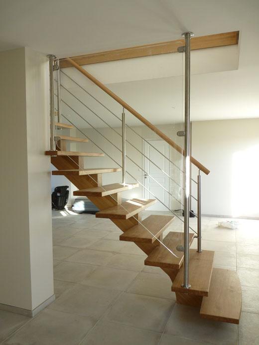 Fabricant escaliers bois avec rampes métal,verre,inox et câbles.