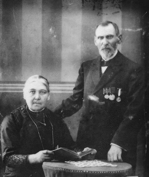 Portrait der Eheleute Ignaz und Theresia Schulte. Dieses Foto entstand um 1915.
