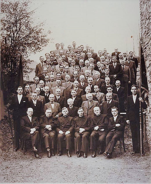 1953: 25 Jahre Gesellenverein/ Kolpingfamilie in Eslohe