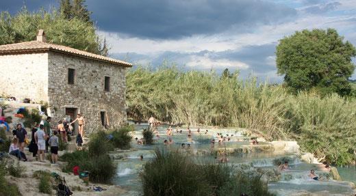 Die Cascate del Mulino bei Saturnia im Herzen der toskanischen Maremma