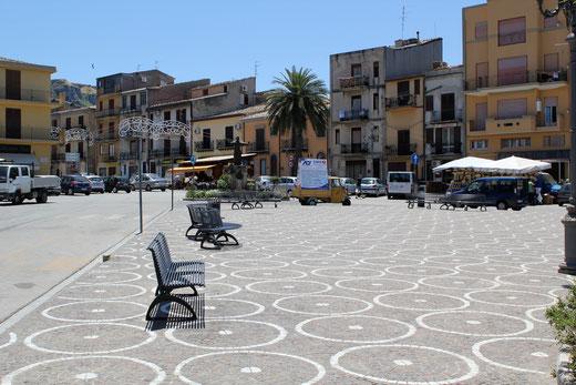 Die Piazza im Stadtzentrum.
