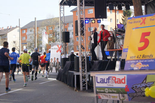 Live >the voiceX< Marathon 2012 bei Lauf&Rad Freiburg