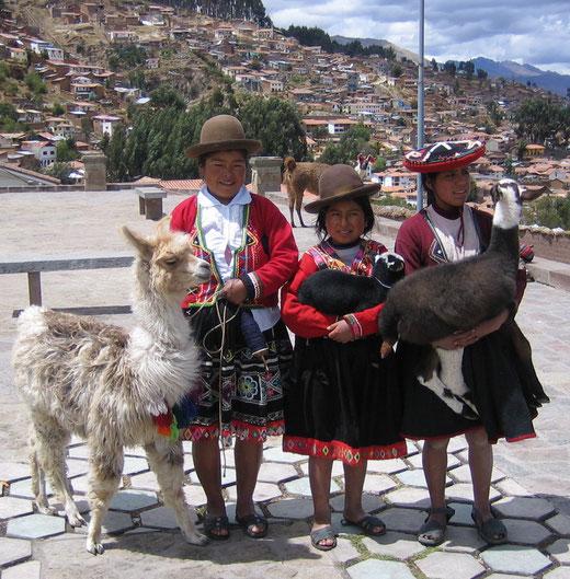 Cusco - hier tragen die Einwohner ihre Trachten mit Stolz