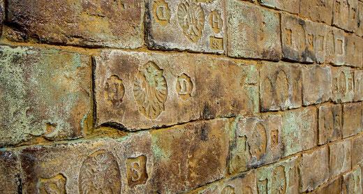 Historische GFK Ziegelpaneele mit Kaiserstempel