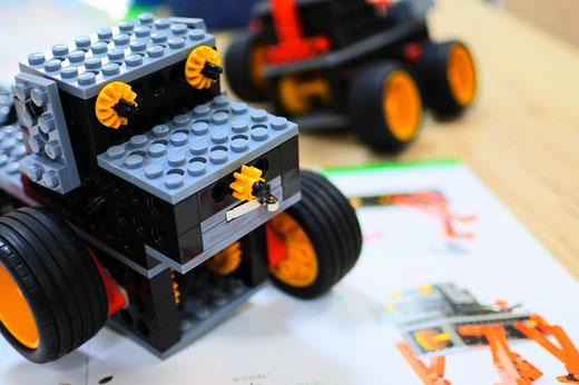 スタディPCネット大分高城校のヒューマンアカデミーロボット教室|先生の改造ロボット
