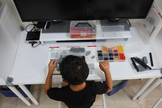 5歳から学べるプログラミング ヒューマンアカデミーロボット教室|プログラミングの基本は整理整頓から