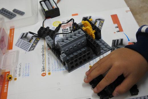 コマ回しロボット「ベイスピナー」製作写真