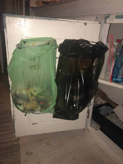 Affaldsstativ / affaldsstativer Flower til et køkken 5. Cool affaldssortering i et hjem med affaldssorteringssystem Flower- perfekt i et køkken!
