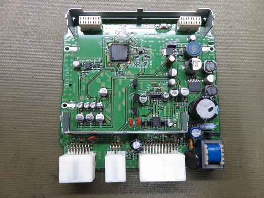 三菱 デリカ D:5 バックカメラコントロールユニット修理 8781A031 8781A016