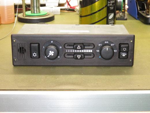 ポルシェ 911 964 エアコンパネル(エアコンアンプ)修理 964 659 047 00