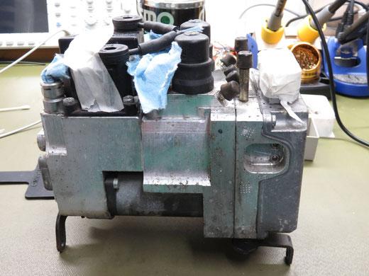 BMW R1200RT ABSユニット修理