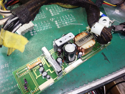 ポルシェ 964 カセットデッキ CR-2 修理 964.645.015.00