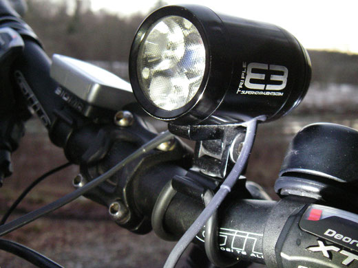 Supernova, E3 Triple, Lampe Fahrrad, Nabendynamo, Lenkerhalterung