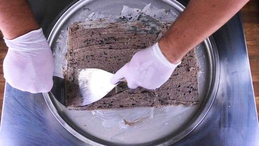 spreading ice cream rolls base liquid