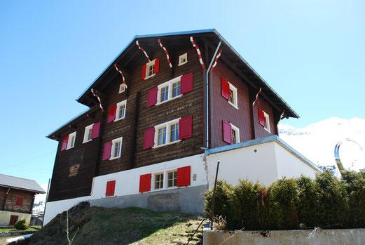 Berghaus in Tschamut