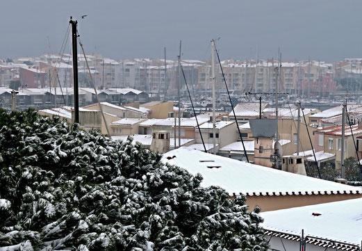 01. März 2018 - Ver(w)irrt: Schnee am Mittelmeer