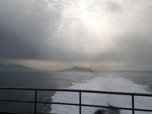 海峡から見る台湾島