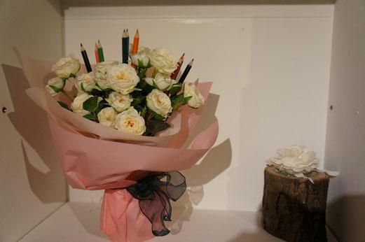 入学おめでとうの花束。