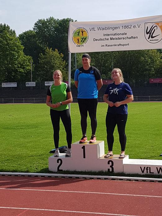 Katharina Schiele siegte bei den U 20 im Steinstoßen.