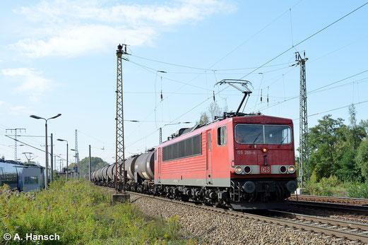 Am 18. September 2014 zieht 155 269-4 einen Kesselwagenzug durch Leipzig-Thekla