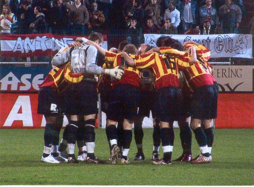 Team vom KV Mechelen vor dem Anpfiff