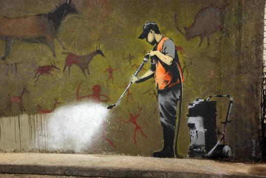 Oeuvre du street artiste Banksy. (Lien vers son site dans la rubrique Art et ... Rue)