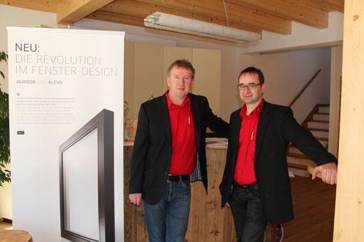 lk: Firmenchef H.P. Lindner - re: Tischlermeister M. Granig