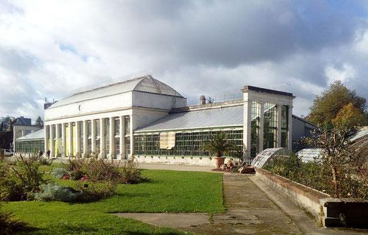Serre du jardin des plantes d'Orléans.