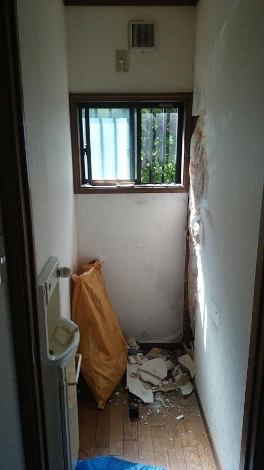 壁のシミは雨漏りのサイン