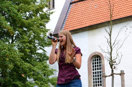 Voller Engagement auf dem Gemeindefest in Rosdorf, 2014