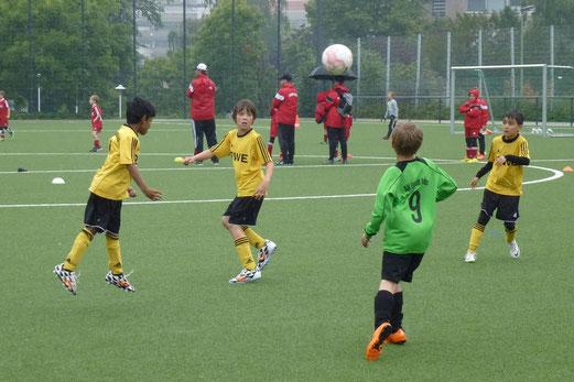 TuS F1-Jugend im Spiel gegen DJK Eintracht Borbeck (0:1). - (Foto: mal).