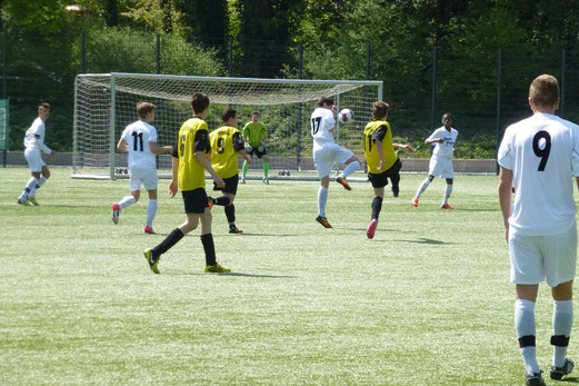 TuS B-Jugend im Spiel bei Tabellenführer SG Schönebeck an der Ardelhütte (Foto: mal).