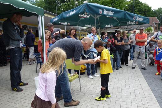 Bambini 2 Treff: Medaillenvergabe für die TuS Bambini 2 (Foto: r.k.).