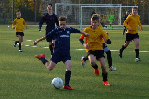 D1-Jugend im Heimspiel gegen die D1 der SG Schönebeck. - Foto: mal.