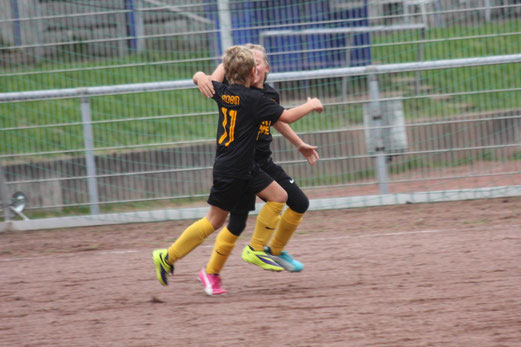 Unentschieden an der Haedenkampstraße: TuS E2-Jugend bei Tgd. Essen-West 3. - Foto: o.k.