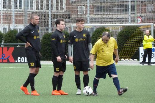 TuS Zweite Mannschaft im Spiel gegen Barisspor 84. - Fotos: mal (1-5), ings (6-8).