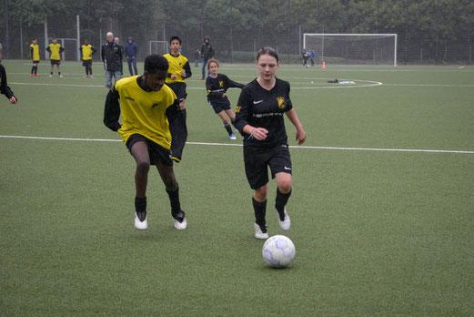 TuS U13-Juniorinnen gegen TuS C2-Jugend.