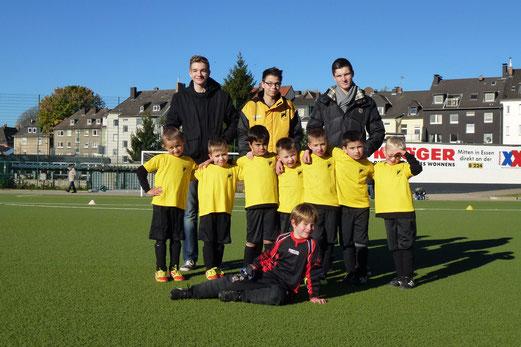 Bambini 1 und Trainer in der Holsterhauser Morgensonne (Foto: mal).