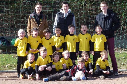 Mit 14 Spielern angetreten: TuS Bambini 1 an der Haedenkampstraße (Foto: mal).