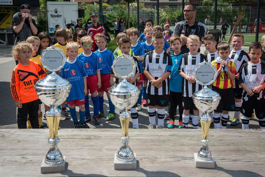 F2-Jugend Turnier - Siegerehrung. - Fotos: r.f.