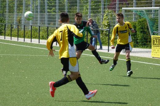 TuS C-Jugend im Heimspiel gegen den FC Karnap. - (Foto: mal).