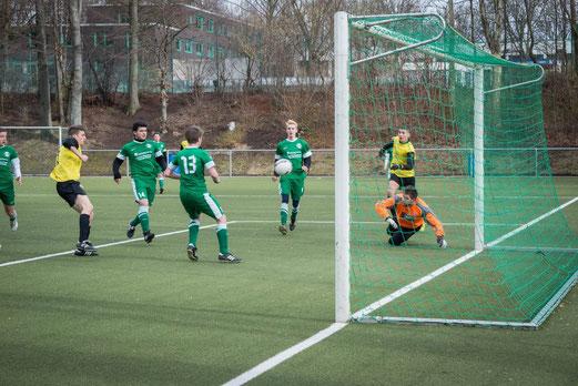 Das 3:0 für den TuS: A-Jugend im Auswärtsspiel beim SC Phönix. - (Foto: r.f.).