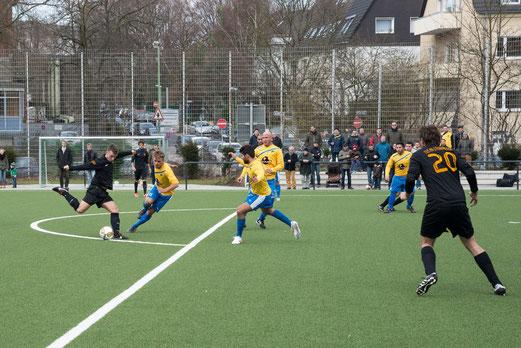 Zweimal einen Rückstand aufgeholt: Erste im Spiel gegen den Spiel Club Oberhausen. (Foto: r.f.).