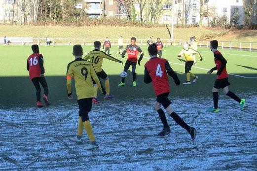 TuS C1-Jugend im Auswärtsspiel an der Keplerstraße. - Fotos: s.v.g.