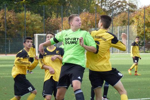 TuS B-Jugend im Testspiel gegen SV Leithe. - (Foto: mal).